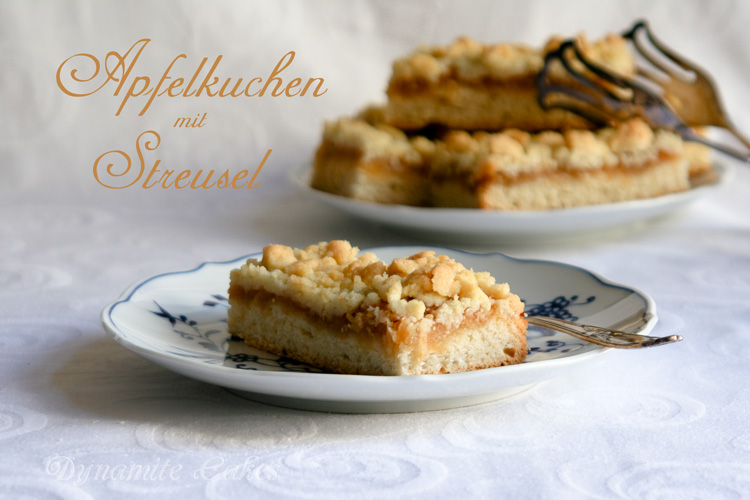 apfelkuchen mit streusel vom blech hefeteig. Black Bedroom Furniture Sets. Home Design Ideas