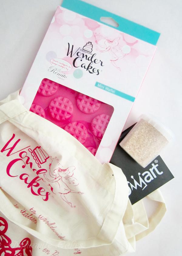 Silikomart sponserte für jeden Teilnehmer eine Silikonform der WonderCake-Reihe, eine Packung Glitzerzucker und den passenden Beutel.