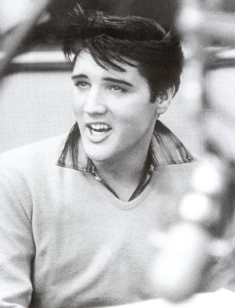 """Elvis bei Proben zu """"King Creole"""""""