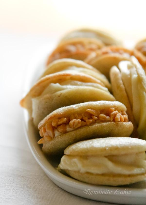 Bananen-Whoopies mit Erdnuss-Frosting