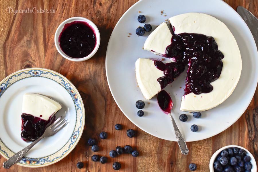 White Chocolate Cheesecake no bake Blaubeeren DynamiteCakes.de